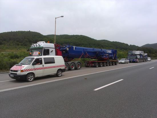 Escort of abnormal loads